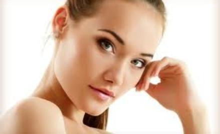 Rozmaite zabiegi dla ciała ludzkiego polecane przez kosmetyczkę.